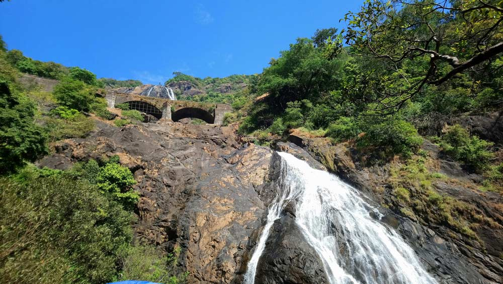 dudhsagar-waterfalls-goa